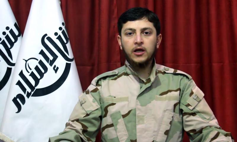 """حمزة بيرقدار، الناطق باسم أركان """"جيش الإسلام"""" (يوتيوب)."""