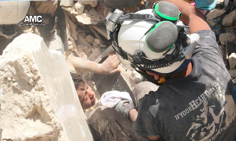 آثار القصف على حي طريق الباب في حلب - الاثنين 20 حزيران (مركز حلب الإعلامي)