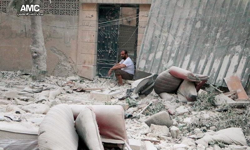 آثار القصف على حي مساكن الفردوس في حلب - الخميس 14 تموز (مركز حلب الإعلامي)