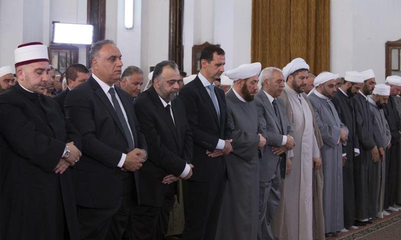 الأسد يؤدي صلاة عيد الفطر في حمص (رئاسة الجمهورية)