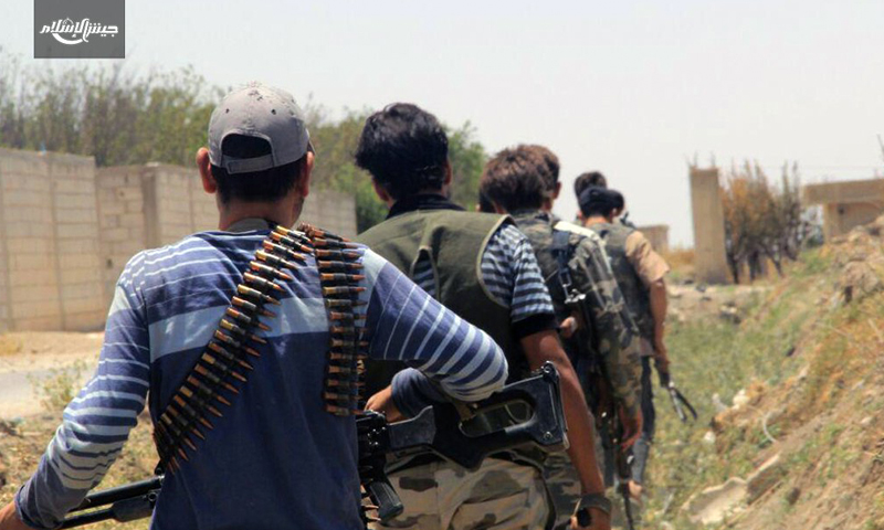 """مقاتلون في فصيل """"جيش الإسلام"""" في الغوطة الشرقية - 29 حزيران 2016 (جيش الإسلام)"""