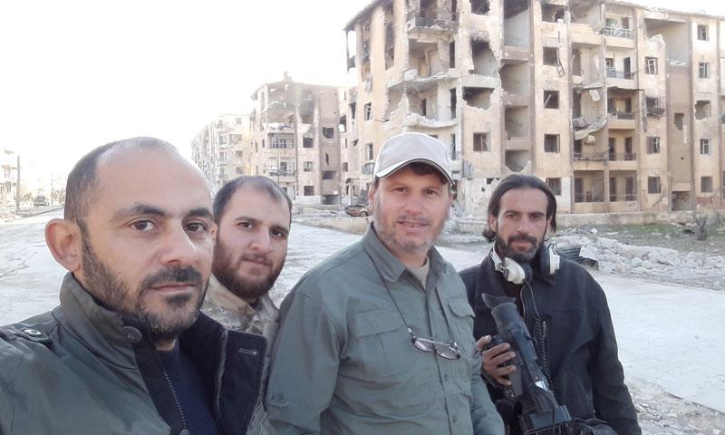 """طاقم عمل قناة """"المنار"""" التابعة لـ """"حزب الله"""" اللبناني في حي مساكن هنانو- الاثنين 28 تشرين الثاني (تويتر)"""