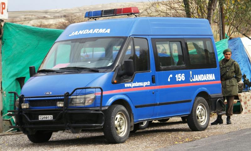 عربة تابعة للجندرمة جنوب تركيا (إنترنت)