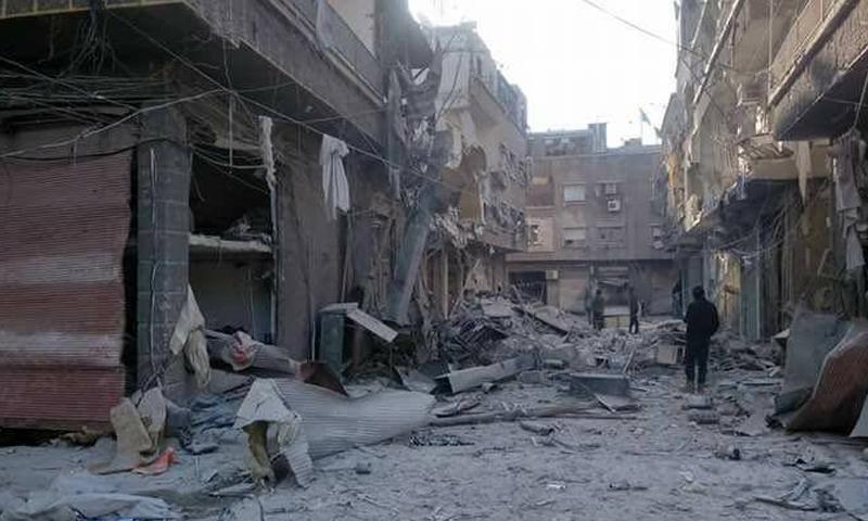 آثار القصف على حي القابون في ريف دمشق - 25 شباط -(فيس بوك)