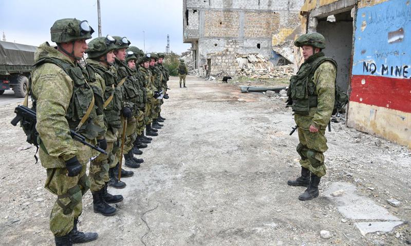 الشرطة الروسية في مدينة حلب (سبوتنيك)