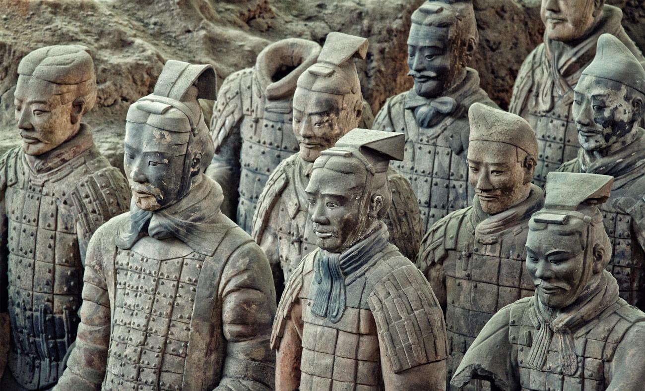 الجيش الطيني الذي بناه الامبراطور تشين شيهوانغ لحمايته في الحياة الأبدية (انترنت)