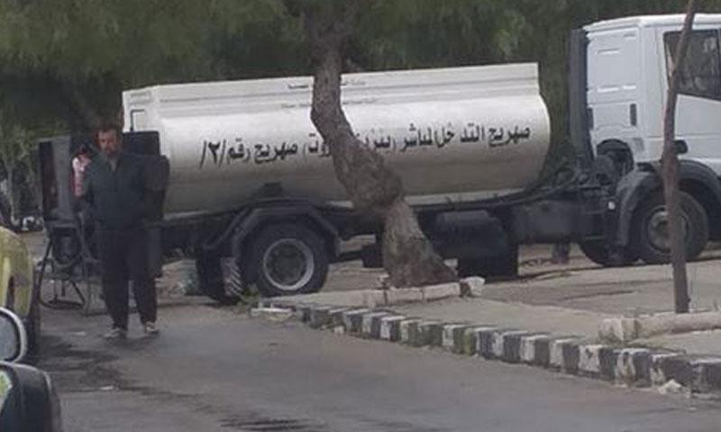صهاريج محملة بالبنزين للتوزيع في مدينة دمشق 21 نيسان 2019 (Feras Alzamel)
