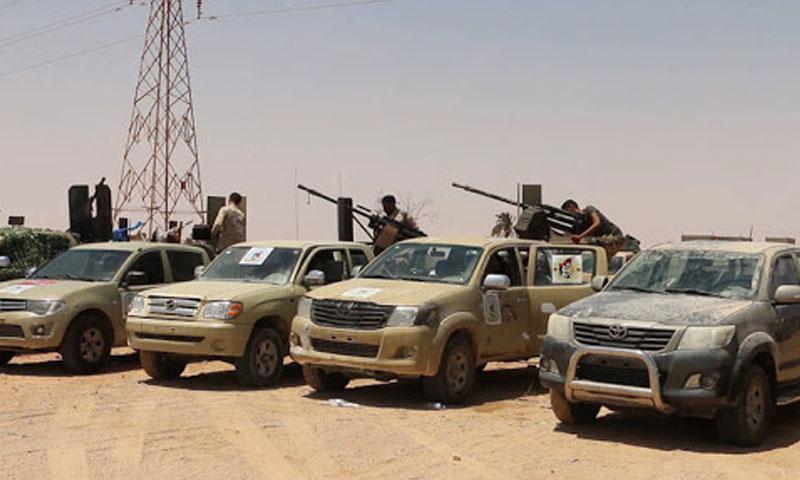 آليات عسكرية بالقرب من سرت تابعة لحكومة الوفاق (الجزيرة مباشر)
