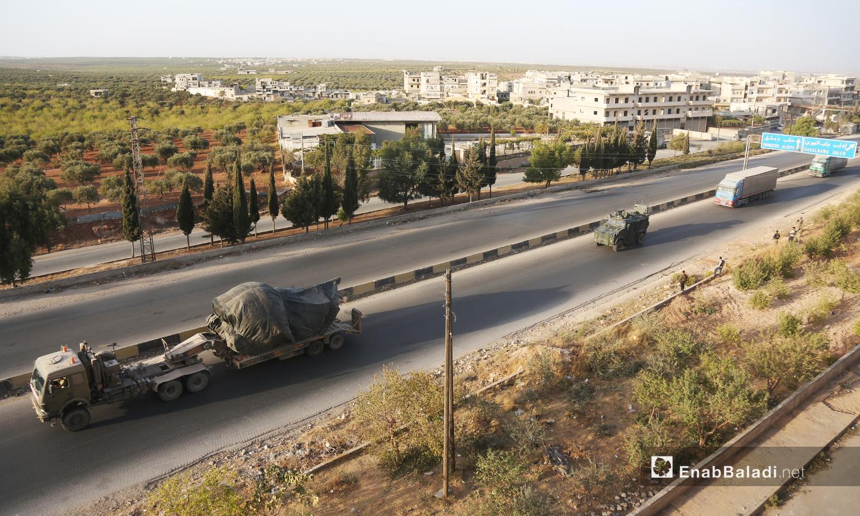 Turkish military vehicles evacuate a military observation post in northern Hama heading to the village of Kokfeen in Jabal al-Zawiya, south of Idlib - 20 October 2020 (Enab Baladi / Yousef Ghuraibi)